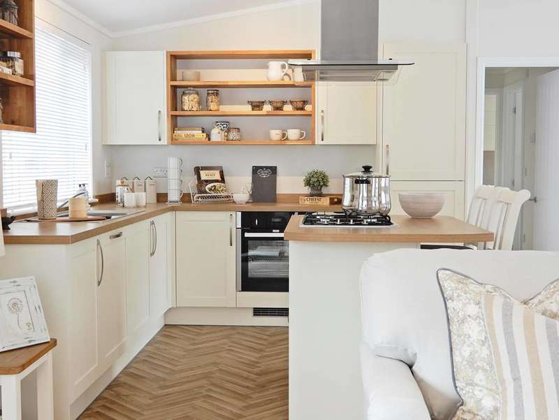 2 Bedrooms Park Home Mobile Home for sale in Riverview Residential Homes, Forres Moray, IV36 2UL