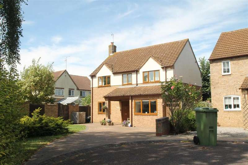 4 Bedrooms Detached House for sale in Lapwing Close, Northway, Tewkesbury