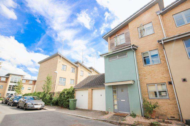 4 Bedrooms End Of Terrace House for sale in Sotherby Drive, Cheltenham