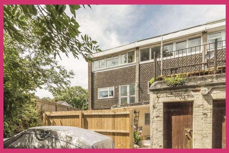 2 Bedrooms Property for sale in Allt-Yr-Yn Court, Newport