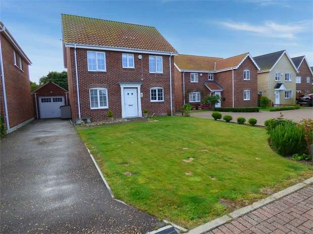 4 Bedrooms Detached House for sale in Empsons Loke, Winterton-on-Sea, Great Yarmouth, Norfolk