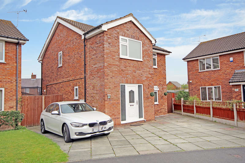 4 Bedrooms Detached House for sale in Aled Way, Saltney, Chester