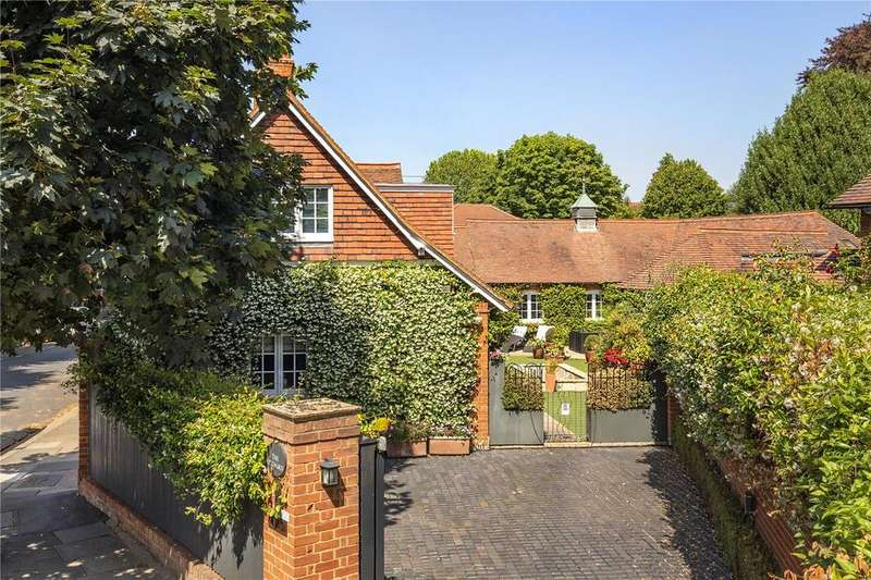 5 Bedrooms Detached House for sale in The Orchard, Bedford Park, Chiswick, London, W4