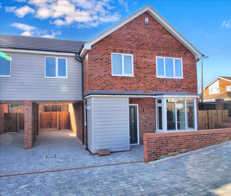 4 Bedrooms House for sale in Mill Road, Colchester