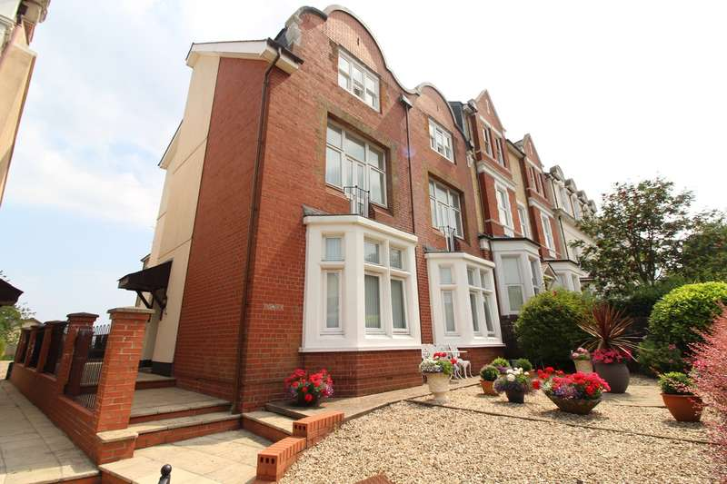 2 Bedrooms Apartment Flat for sale in Stow Hill, Newport, NP20