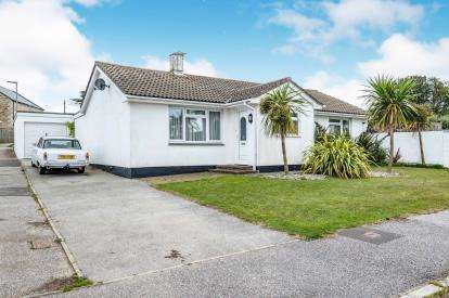 3 Bedrooms Bungalow for sale in Cubert, Newquay, Cornwall