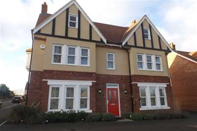 5 Bedrooms House for rent in Kempston, Bedford, MK42
