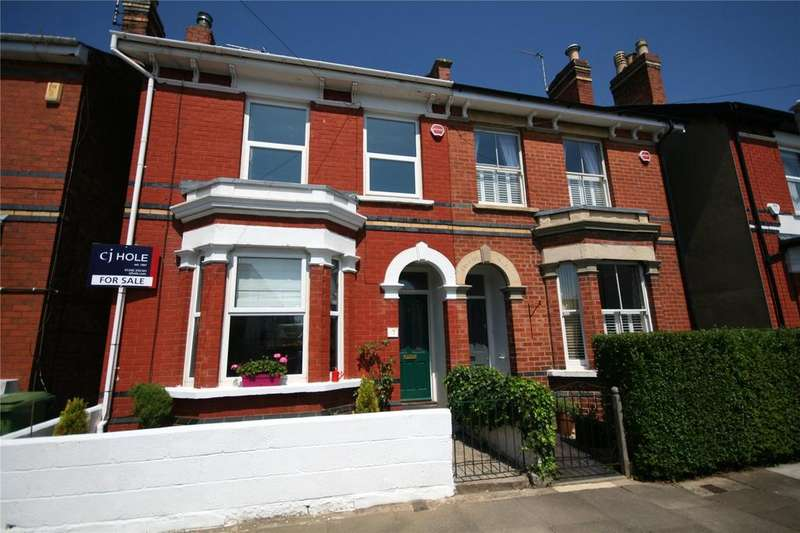 3 Bedrooms Semi Detached House for sale in Winstonian Road, Fairview, Cheltenham, GL52