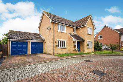 4 Bedrooms Detached House for sale in Rochford, Essex, .
