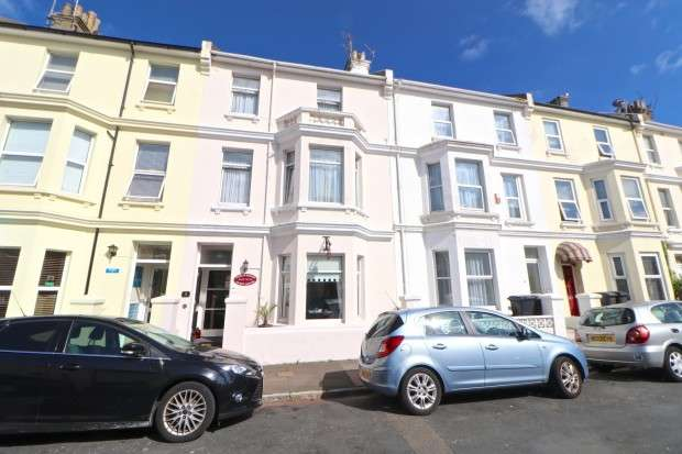 9 Bedrooms Terraced House for sale in Tudor House Guest House Marine Road, Eastbourne, BN22