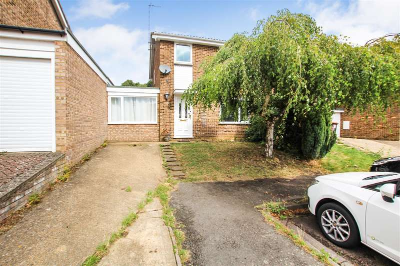 3 Bedrooms Semi Detached House for sale in Himley Green, Leighton Buzzard