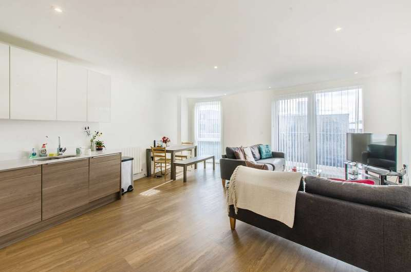 3 Bedrooms Flat for sale in Plough Way, Canada Water, SE16