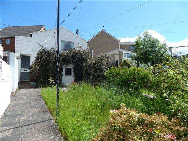 2 Bedrooms Terraced House for sale in Spring Bank, Abertillery, NP13 1PB