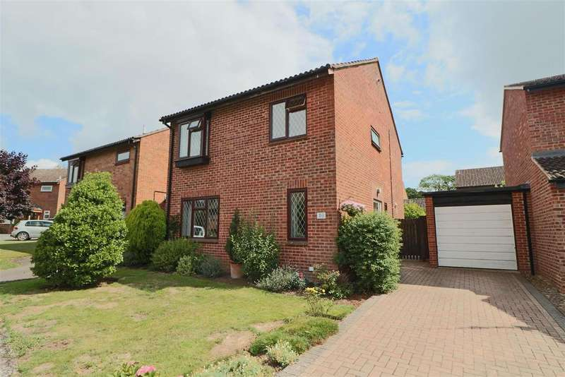 4 Bedrooms Detached House for sale in Wetherleigh Drive, Highnam, Gloucester