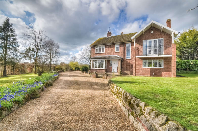 4 Bedrooms Detached House for sale in Fairview Road, Halesworth