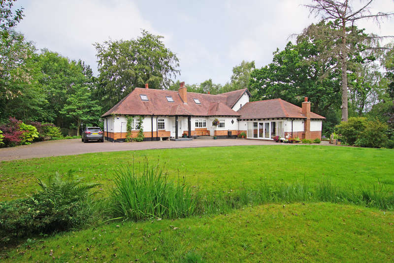 4 Bedrooms Detached House for sale in Linthurst Road, Blackwell, B60 1QH