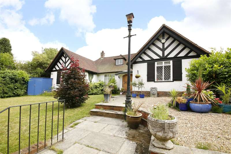 3 Bedrooms Bungalow for sale in Addiscombe Road, Croydon