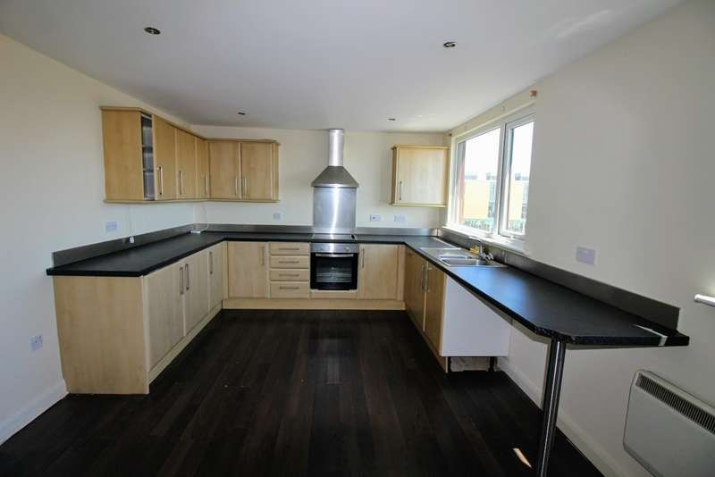 3 Bedrooms Flat for sale in Park Road, Blackpool