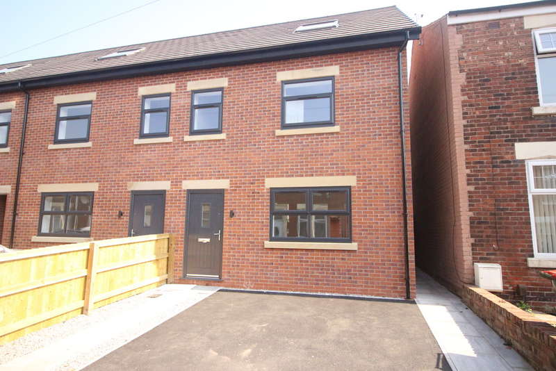 3 Bedrooms Town House for sale in Thorn Street, Preston