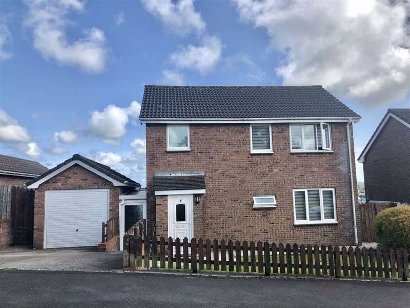 3 Bedrooms Detached House for sale in Llwyn Meredith, Carmarthen