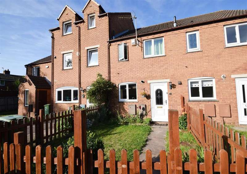 2 Bedrooms Semi Detached House for sale in Vervain Close, Churchdown, Gloucester