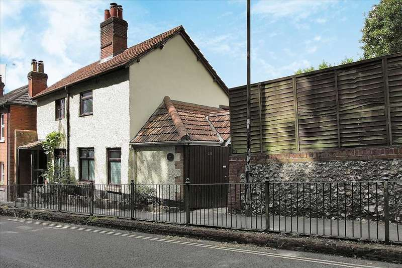 2 Bedrooms Semi Detached House for sale in Flintstone Cottage, 45 Newbury Street, Whitchurch