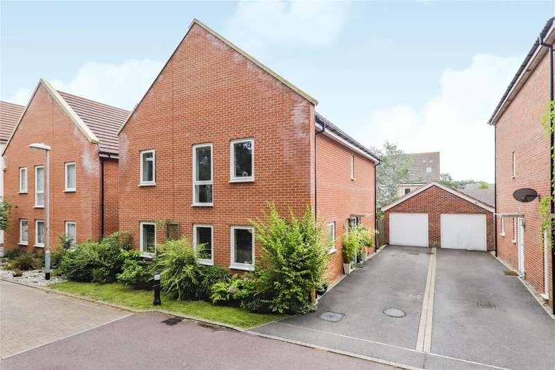 4 Bedrooms House for sale in Tornado Chase, Bracknell, Berkshire, RG12