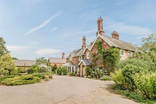 5 Bedrooms Detached House for sale in Main Road, Thornton, Horncastle, Lincolnshire