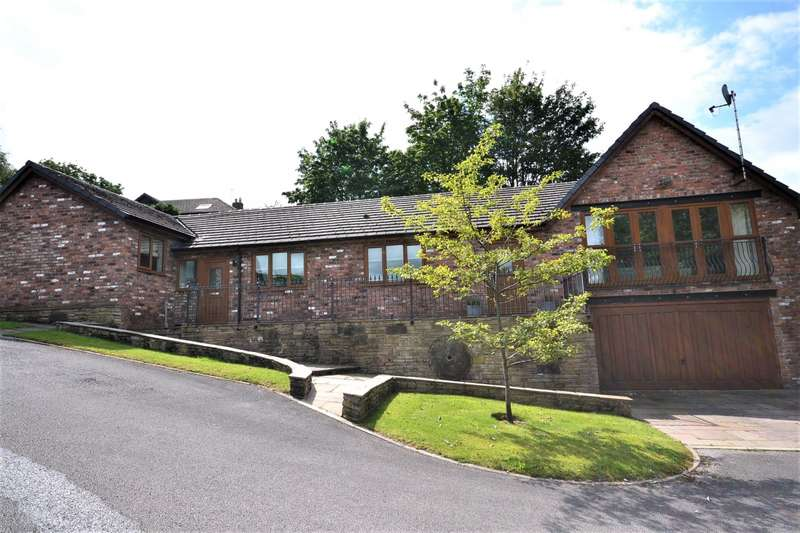 4 Bedrooms Detached House for sale in Horseshoe Drive, Macclesfield