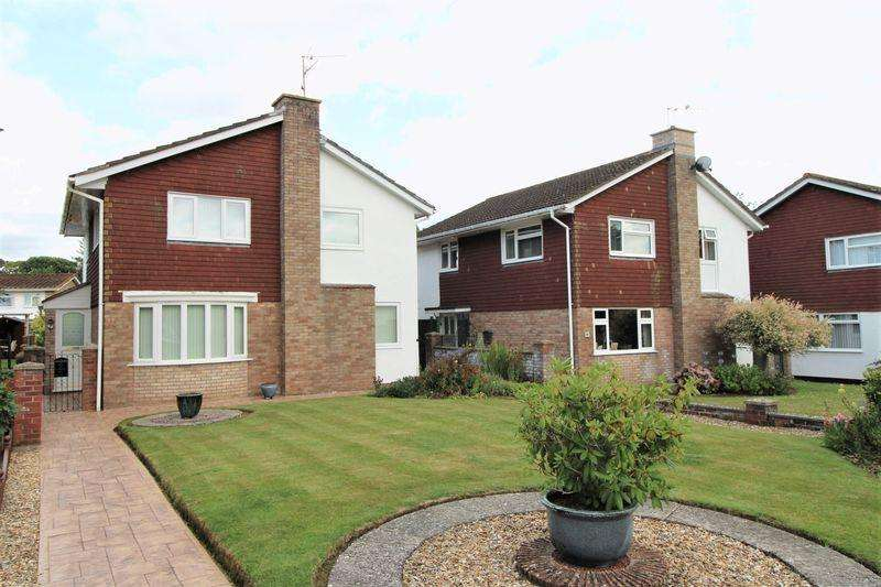 4 Bedrooms Detached House for sale in The Hawthornes, Raglan, Usk