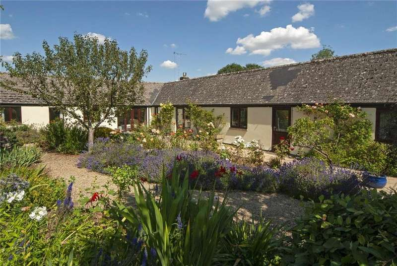 3 Bedrooms Semi Detached House for sale in Turville Barns, Eastleach, Cirencester, GL7