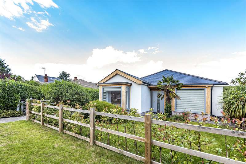 5 Bedrooms Detached Bungalow for sale in St. Ives Close, Theale, Reading, Berkshire, RG7