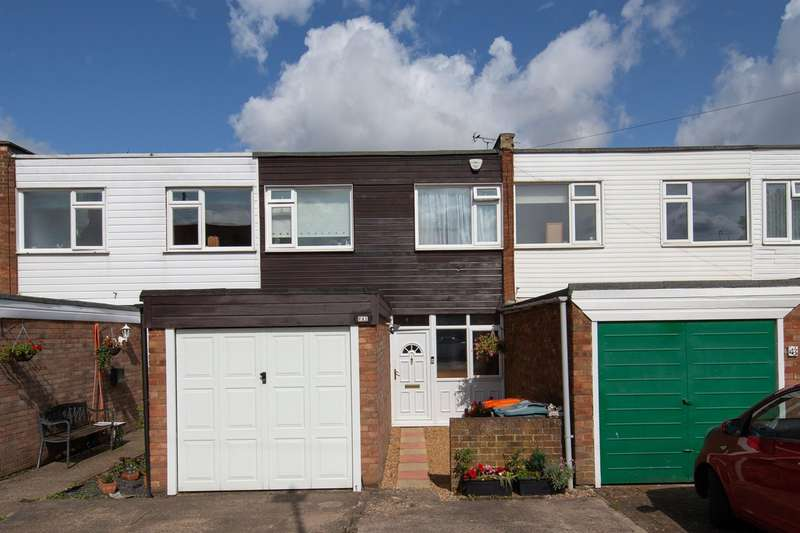 3 Bedrooms Terraced House for sale in Lovers Walk, Dunstable, Bedfordshire
