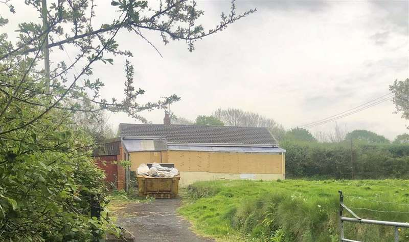 3 Bedrooms Detached Bungalow for sale in Stockwell Lane, Kidwelly