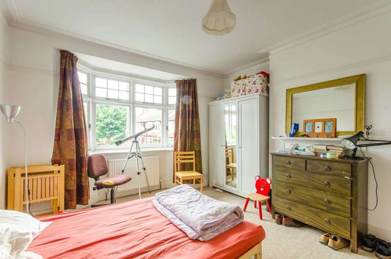 4 Bedrooms House for sale in Broomfield Avenue, Palmers Green, N13