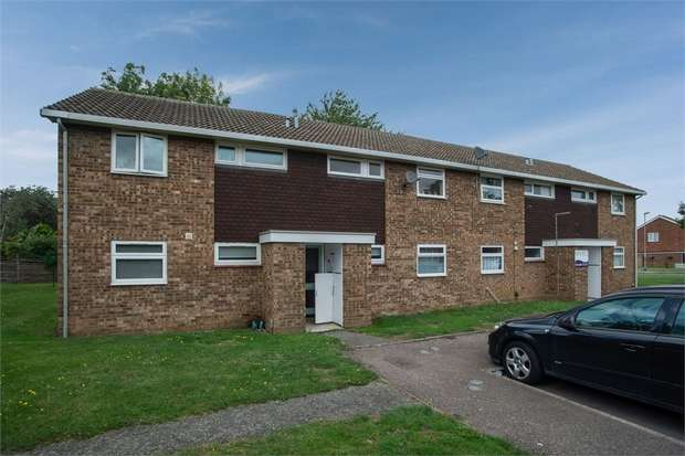 1 Bedroom Flat for sale in Hayling Avenue, Little Paxton, St Neots, Cambridgeshire