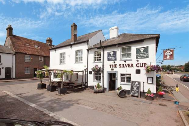 6 Bedrooms Pub Commercial for sale in The Silver Cup, 5 St. Albans Road, Harpenden