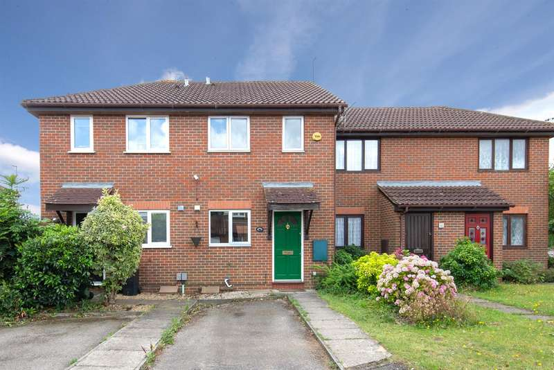 2 Bedrooms Terraced House for sale in Readers Close, Dunstable, Bedfordshire