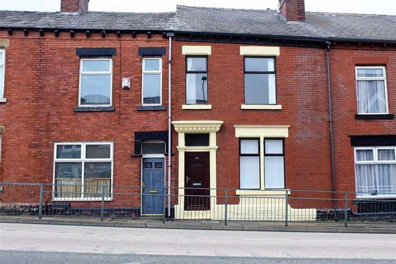 3 Bedrooms House for rent in Mottram Road, Stalybridge