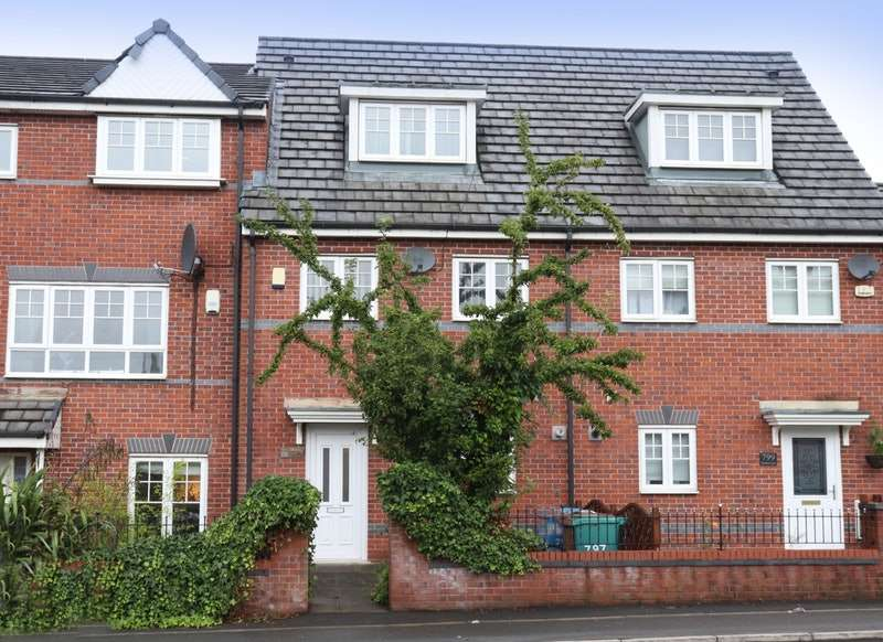 3 Bedrooms Town House for sale in Moston Lane, Manchester, Greater Manchester, M40