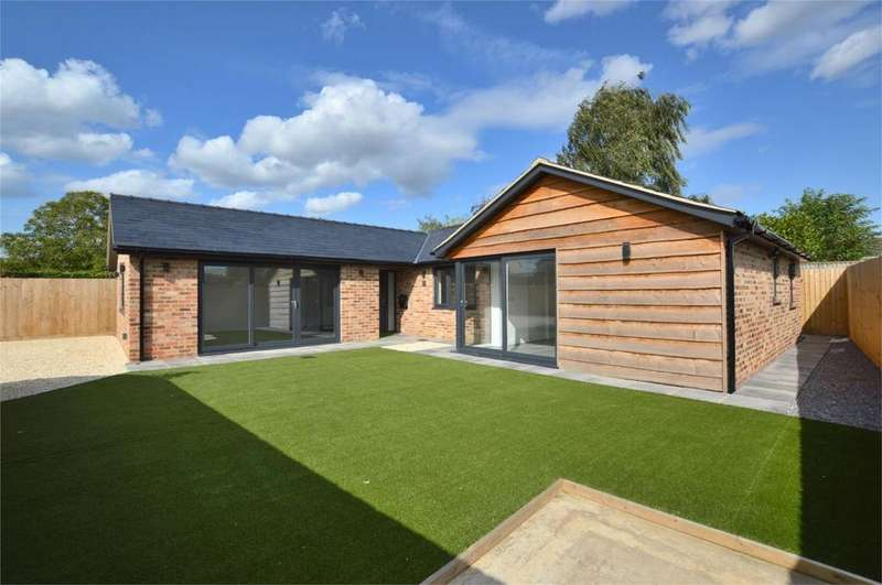 3 Bedrooms Detached Bungalow for sale in Willow Bank Road, Alderton, Tewkesbury