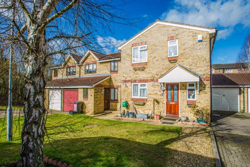3 Bedrooms Detached House for sale in Peppercorn Walk, Hitchin, Hertfordshire, SG4