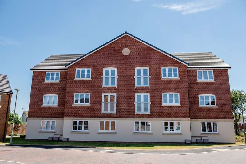 1 Bedroom Apartment Flat for sale in Henry Robertson Drive, Gobowen, Oswestry, Shropshire, SY11