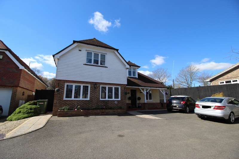 5 Bedrooms Detached House for sale in Windmill Grange, West Kingsdown, Sevenoaks, Kent, TN15