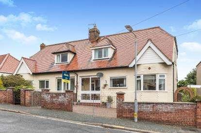 3 Bedrooms Semi Detached House for sale in Cromer, Norfolk, United Kingdom