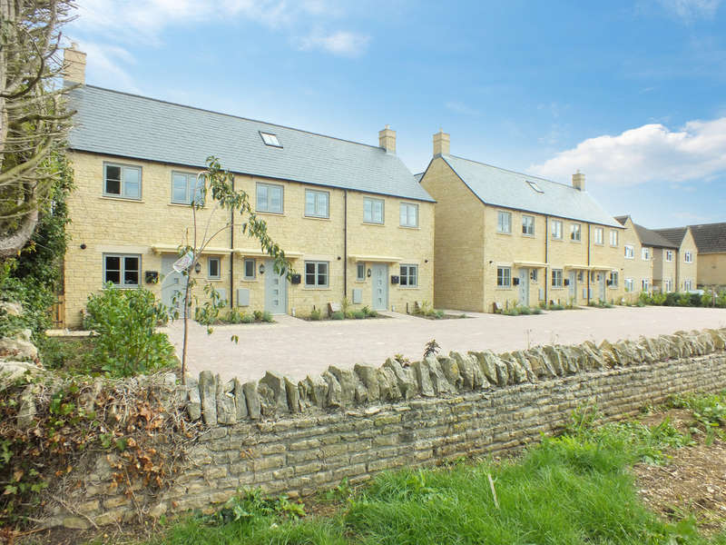 3 Bedrooms Terraced House for sale in Lechlade