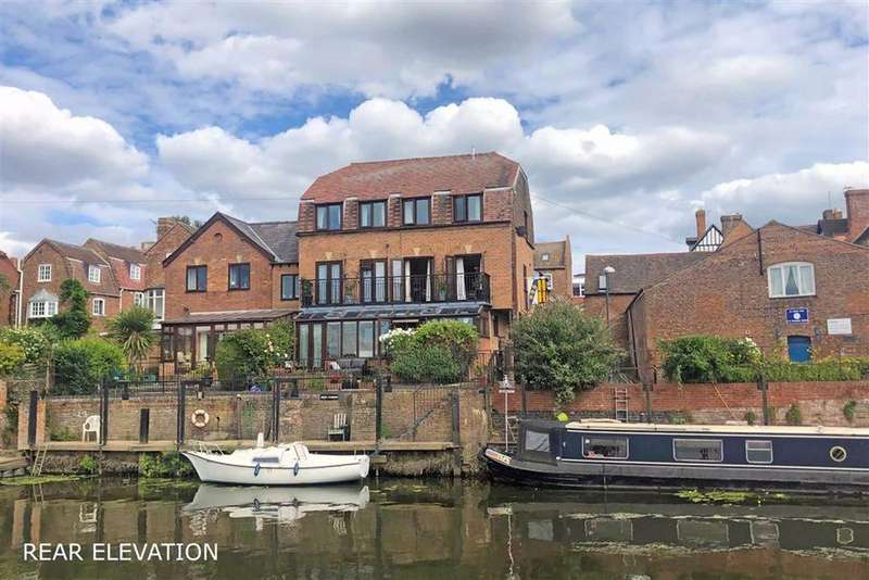 4 Bedrooms Semi Detached House for sale in Riverside Court, Red Lane, Tewkesbury, Gloucestershire
