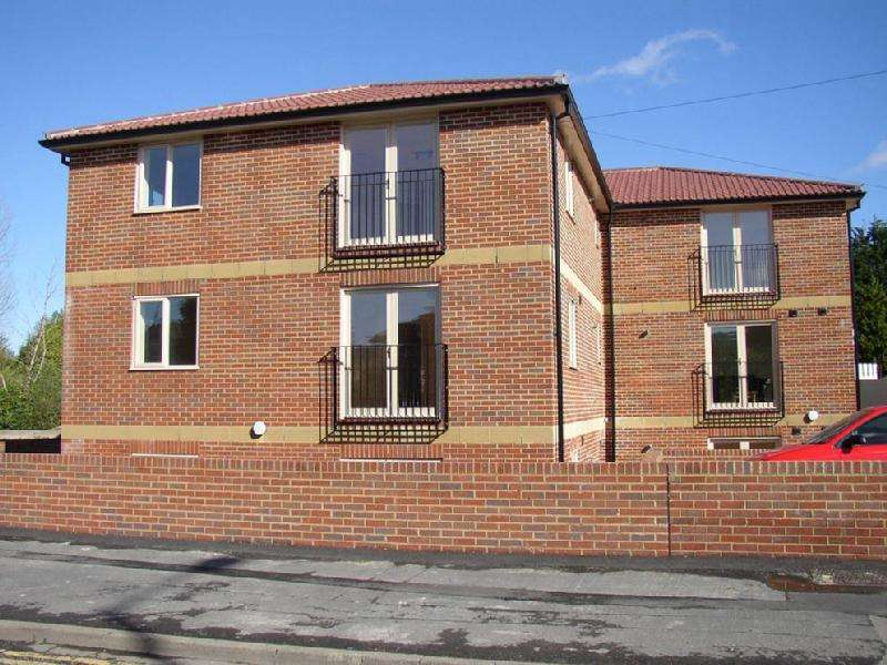 2 Bedrooms Flat for sale in Brook Court, Whitchurch Lane, Bishopsworth