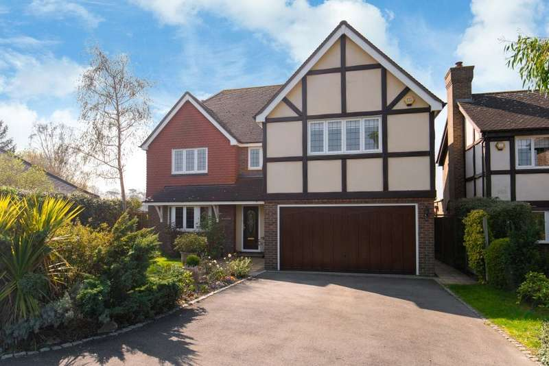 5 Bedrooms Detached House for sale in Oak Hill Road, Stapleford Abbotts, Romford, Essex, RM4