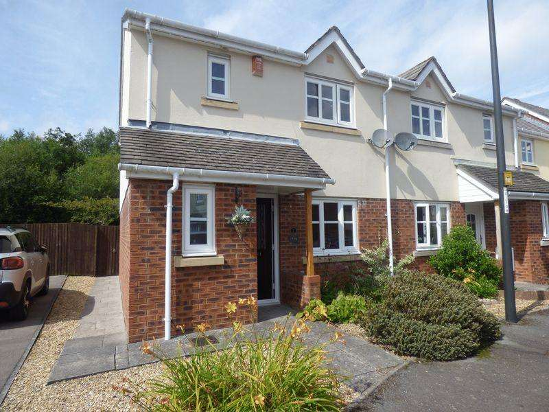 3 Bedrooms Semi Detached House for sale in Lakeside Close, Nantyglo